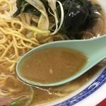 ラーメンショップ - 異色その②ラーショにしてはファット感が弱いスープ