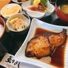 魚々よし - 料理写真:日替わり定食 ブリの照り焼き