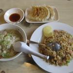 味園 - 料理写真:焼き飯セット(990円)