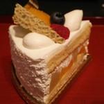 フランス菓子 アン・ファミーユ - 料理写真:フルーツのショート