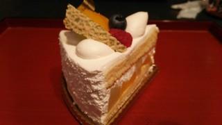 フランス菓子 アン・ファミーユ - フルーツのショート