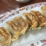 餃子の王将 - 料理写真:これこれ。外はパリッ。中身はジューシーでした。