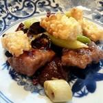 90254289 - 黒毛和牛モモ肉の四川風唐辛子炒め