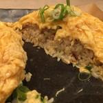 麺匠 一本道 - とろ玉チャーハン(断面)