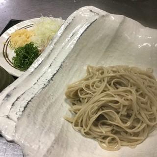 """こだわりの蕎麦は自社で手作り。蕎麦の産地""""幌加内""""の粉使用"""