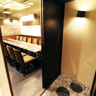 和テイストの居心地の良い空間。3H食べ飲み放題コースあり◎
