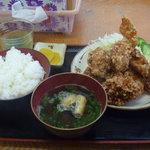 うどんと丼 ふる里 - からあげ定食 【2011.8】