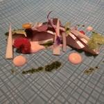 90282179 - 真鯖燻製のフランボワーズビネガーマリネ 林檎のピューレ
