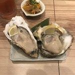 90285608 - 岩牡蠣と広田湾産牡蠣。