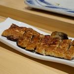 寿司割烹 魚紋 - 天然物の鰻:静岡産