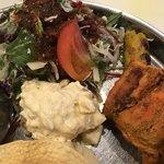 NAYA INDIA NOOR - サラダ+ポテサラ、チキンティッカとカバブ