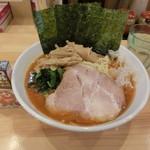 横浜ラーメン 北村家 - 料理写真:ファイヤーラーメン(大)880円+穂先メンマ100円