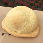 ファーム富田 - 焼きたてメロンパン