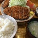 とんかつ 竹亭 - とんかつ定食 800円