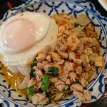 トムヤムクン - 鶏肉バジル炒め&トムヤムクン・セット