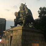 小作 - 駅前の信玄像