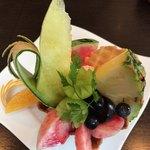 フルーツファーム果楽土 shop&cafe - 料理写真:★★★☆ フルーツバスケット 美味しい!でももう少しボリュームがあれば