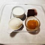 パナメ - デザートの盛り合わせ。それぞれが引き立てあい、、、全て美味しくて至福の時間です。