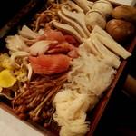 90319620 - 薬膳火鍋(白湯、麻辣)