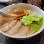 焼豚ソバ 黒ナベ - 数量限定の白ナベ