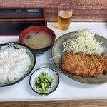とんかつ美よし - 料理写真:ロースかつ定食 850円
