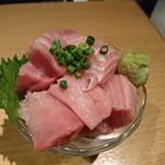肉の王様 - 2018年8月 マグロブツ盛り 745円