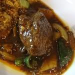 中華料理 八戒 - 巨大な牛バラ
