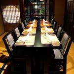epice - お座敷も全てテーブル席です