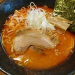 らーめんさる家 - 料理写真:辛味噌(750円)