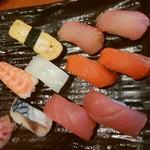豊年満作 - 寿司盛り合わせ