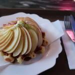 第四信用合作社 - 料理写真:リンゴのワッフル