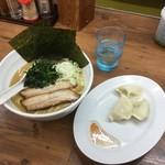麺屋 小桜 - 料理写真:濃厚豚骨醤油750円+水餃子100円