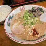 ラアメン博多幕府 - 料理写真:「ランチセット」(690円)を注文しました。