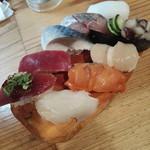魚路 - 料理写真:赤身カツオしめ鯖ヤリイカつぶ貝ホタテタコの吸盤赤貝