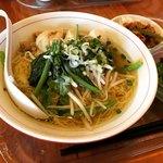 バンコク屋台 カオサン - Aセット(タイの鶏そば+ミニガパオ)