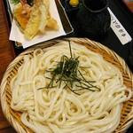 讃岐うどん 木乃屋 - 料理写真:冷たい天ざるうどん1000円