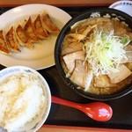 90355833 - 肉盛り淡麗味噌麺