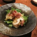 らく天 - ハモの天ぷらですが梅肉とおろし大根が合う