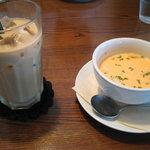 9036455 - スープとドリンク