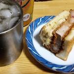 とんかつ マンジェ - 晩飯用に頂いたロースカツサンド&発泡酒!やっぱり美味いです。