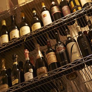 好みやお食事に合わせて選べる豊富なワイン