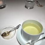 レストラン ラリューム - アップルミントティー