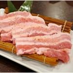 肉小僧 匠 - 銘柄豚の厚切りサムギョプサル