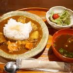 押上猫庫 - ポークと根菜のカレー¥950