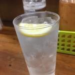 90365866 - 180716月 大阪 酒の穴 レモンチューハイ