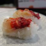 のと前回転寿司 - 地物赤にし貝