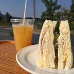 シェフヤマモト - ゴボウサンド(¥300) オレンジジュース(¥280)