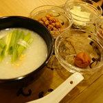アジアンティー 一茶 - お粥とトッピング