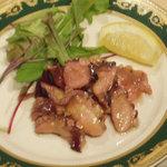 Irish Pub GNOME - タコのガーリックオイル漬け  Octopus in Oil & Garlic 700円