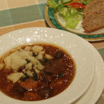 Irish Pub GNOME - ビーフ&ギネスシチュー(サラダ・ソーダブレッド付) Beef & Guinness Stew 1,200円